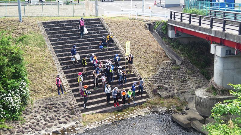 子ども会応援団の「川探検」を開催しました。